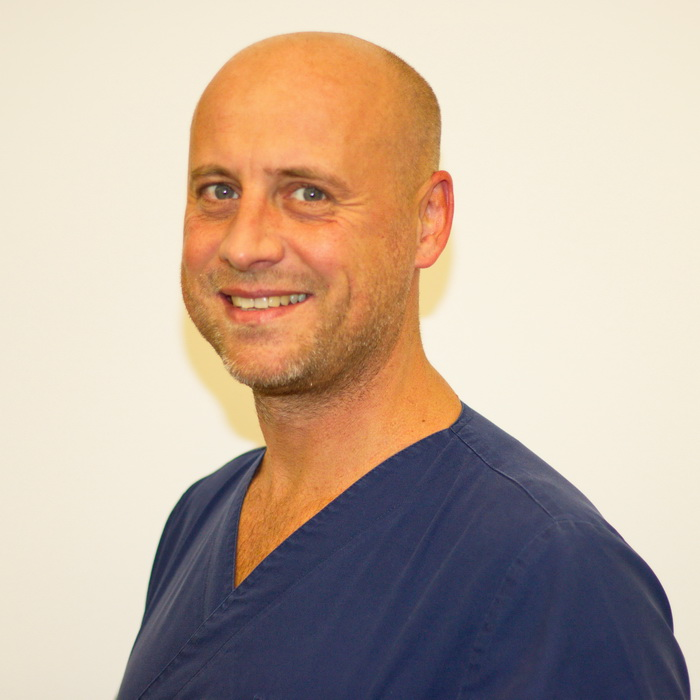 Dr. Uwe Held