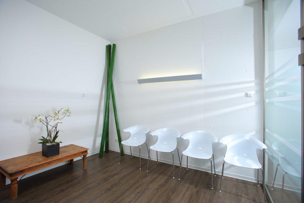 Fachpraxis für Oralchirurgie Dr. Held Emmendingen Wartezimmer